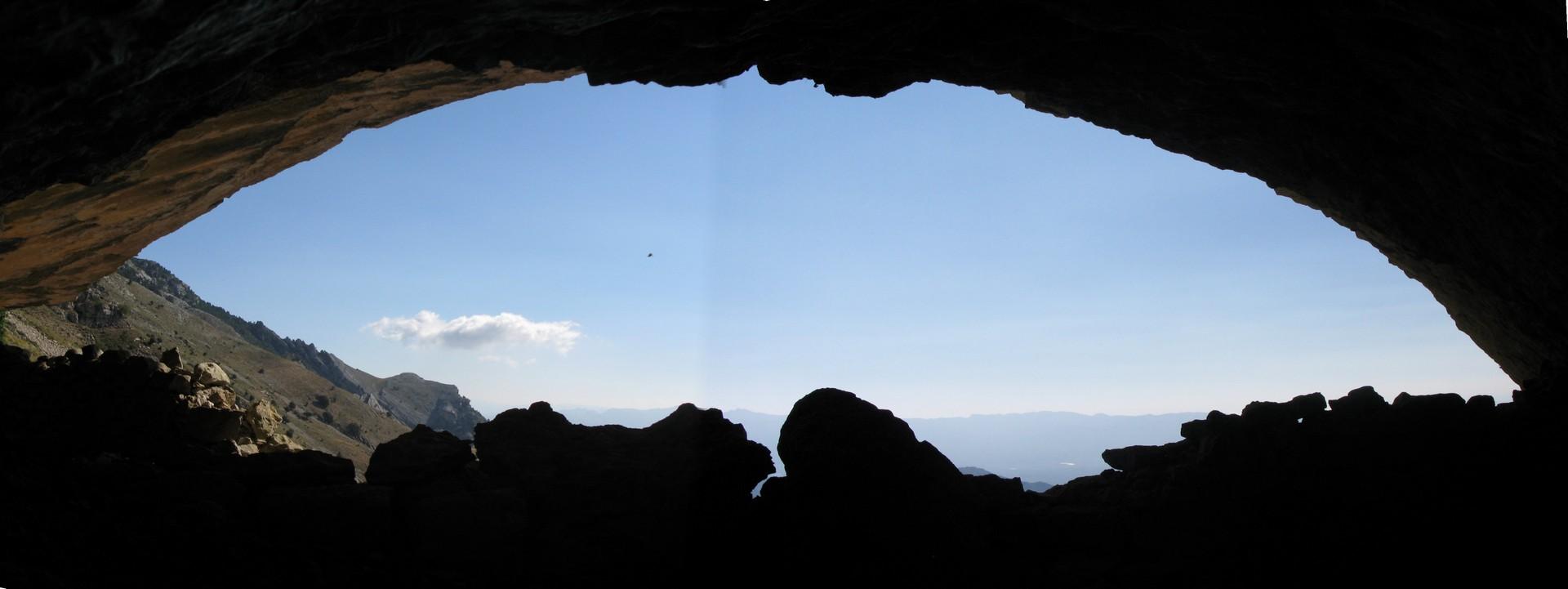 Cova de la Menta. Per terres de pastors d'Alfara de Carles