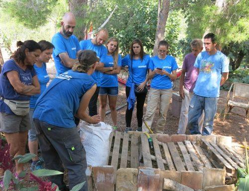Acció ambiental Decathlon a Permacultura Penyaflor