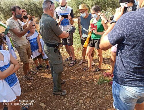 Exit de participació ciutadana a l' alliberament de xoriguers als oliverars centenaris